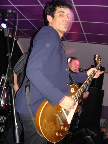 z2007guitardebiais.jpg
